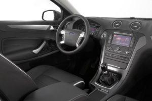 Ford_Mondeo_FL_2011_Interior_2