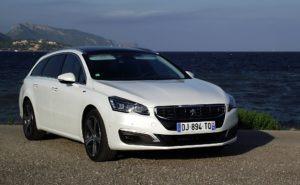 2014_Peugeot_508_SW_GT_2.2_HDi_200_Facelift_Vorderansicht_Perlmutt-Weiss