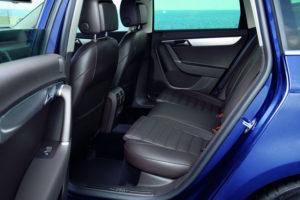 2011-VW-Passat-41